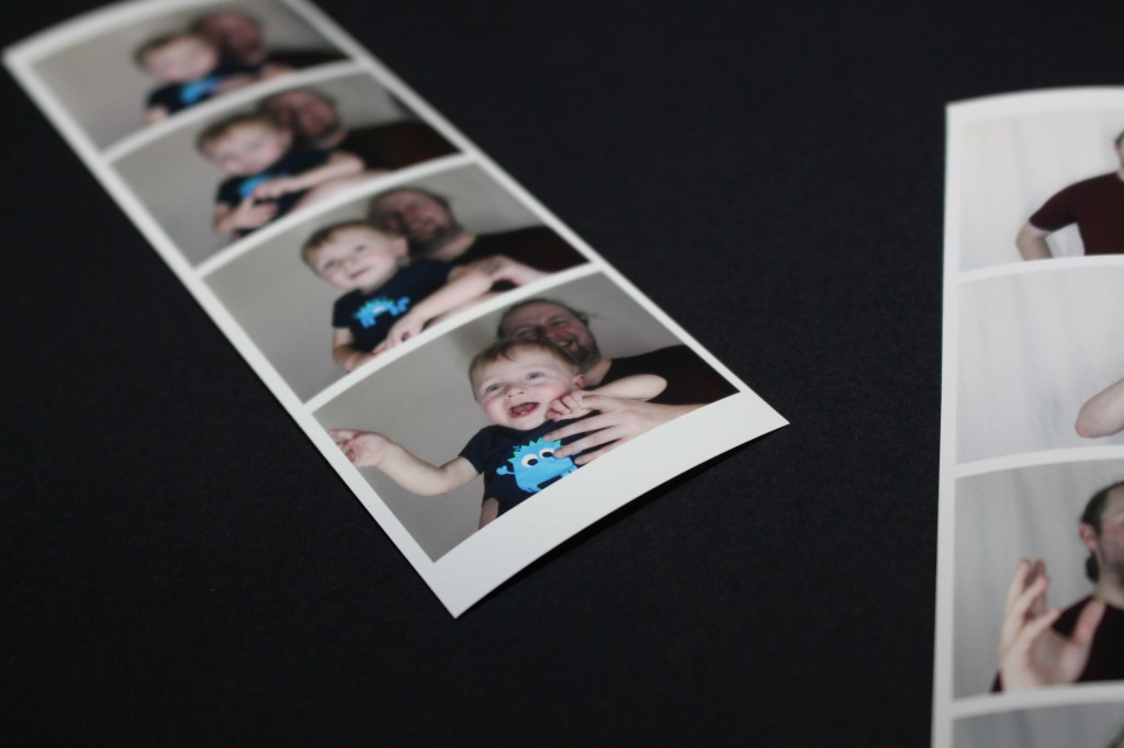 Photostrips - Prints quickly on the spot for your guests in high quality strips!